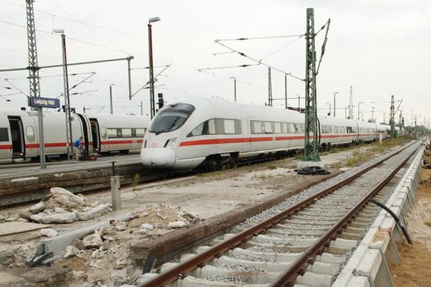 ICE im Vorfeld des Hauptbahnhofs Leipzig. Foto: Ralf Julke