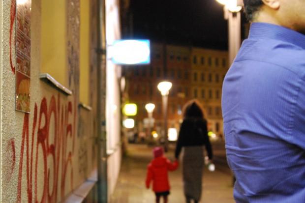 Das Kindergeld kommt nicht mehr? Keine Panik, aber reagieren ist schon angesagt. Foto: L-IZ.de