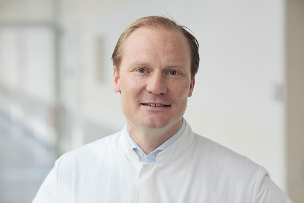Prof. Stefan Langer unterstützt das Gesundheitsmanagement der Bundeswehr. Foto: Stefan Straube/UKL