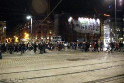 Polizei schafft die Trennung nicht. Foto: L-IZ.de