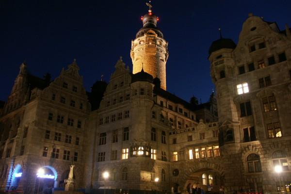 Das über den Kasematten der alten Pleißenburg errichtete Neue Rathaus. Foto: Karsten Pietsch