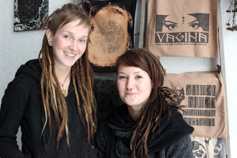 Die Schmiauze-Amazonen Franzi (li) & Lucie. Foto: Volly Tanner