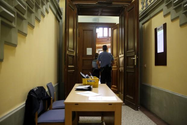 Sicherheitskontrolle vor dem Saal. Foto: Alexander Böhm