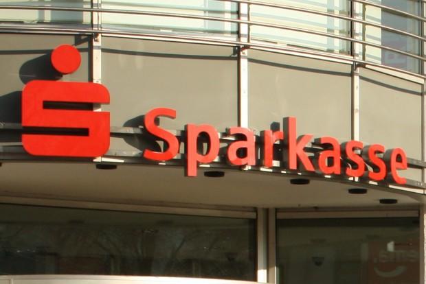 Sind Sparkassen wirklich Spielball der Tagespolitik? Foto: Ralf Julke
