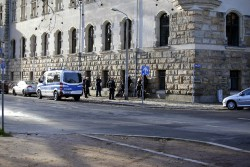 1130 Personenkontrollen am Amtsgericht