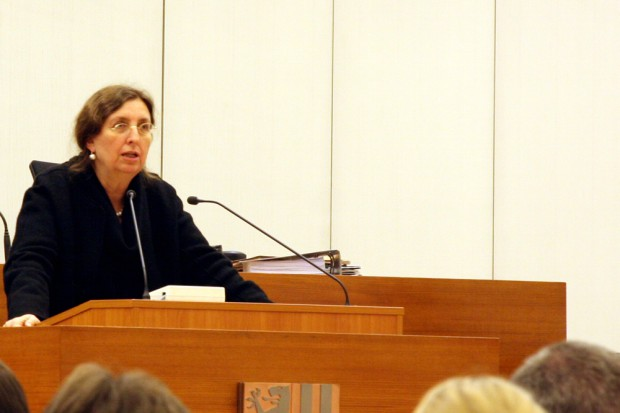 Baudezernentin Dorothee Dubrau führte ins Thema Leuschner-Platz ein. Foto: L-IZ.de