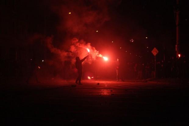 Einsatz von Bengalfeuern in der Silvesternacht 2013/14 am Kreuz. Foto: L-IZ.de