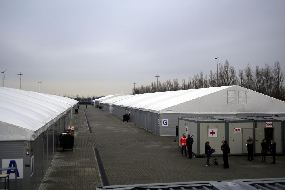 Blick über die damalige Asylunterkunft auf dem Messegelände Leipzig. Foto: Alexander Böhm (Archiv)