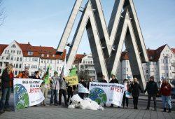 Protest des BUND Leipzig am 12. Dezember auf der Alten Messe. Foto: BUND Leipzig