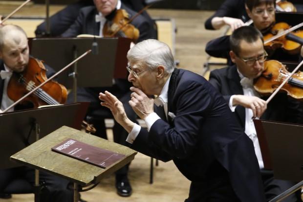 Herbert Blomstedt und das Gewandhausorchester. Foto: Alexander Böhm