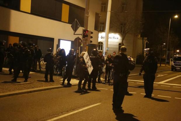 Mal wieder Beschäftigung mit dem Gegenprotest seitens der Polizei. Foto: L-IZ.de
