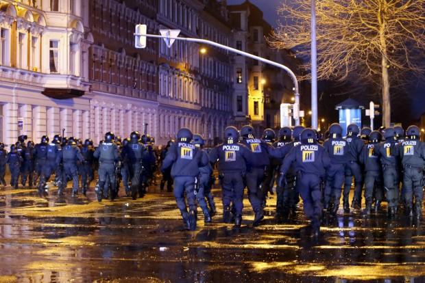 Die Polizei stürmte einen Hotspot: Die Kurt-Eisner-Straße