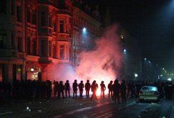 Nach der Demonstration im vergangenen Jahr hatte die Polizei die Versammlung aufgelöst und zirka 50 Personen kurzzeitig eingekesselt. Foto: Alexander Böhm