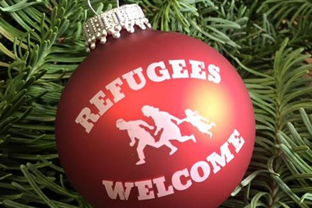 Die Refugees-Welcome-Weihnachtskugel. Foto: Refugees Welcome