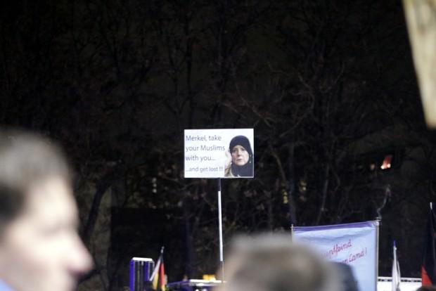 Merkel und die Muslime. Ein Laienstück. Foto: L-IZ.de