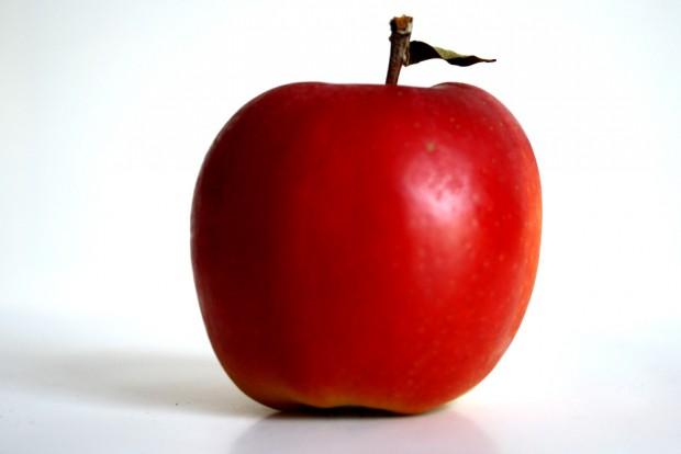 Gesund, aber immr teurer: der Apfel aus dem Supermarkt. Foto: Ralf Julke