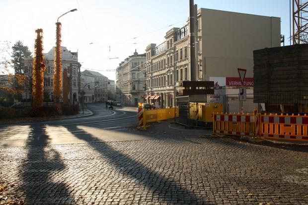 Am Kirchplatz in Gohlis. Foto: Ralf Julke