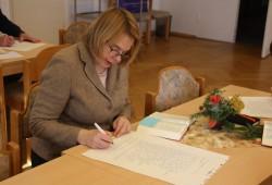 Lang her. Schreiben statt Twittern: Bettina Kudla machte bei der Leipziger Bibel mit. Nun versucht sie es seit 2015 auf Twitter. Foto: Ernst-Ulrich Kneitschel