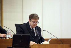 Polizeipräsident Bernd Merbitz bei einer Rede im Leipziger Stadtrat. Foto: L-IZ.de