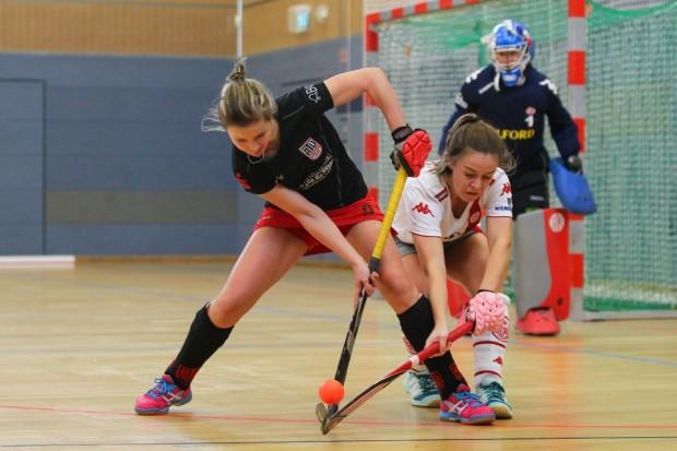 Nadine Schwarte (li.), Kapitänin der Hockeyfrauen des ATV Leipzig. Foto: Jan Kaefer