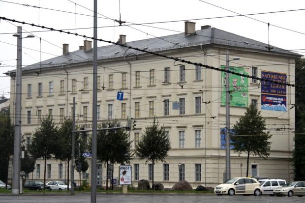 Der 180 Jahre alte Bau an der Lortzingstraße. Foto: Matthias Weidemann