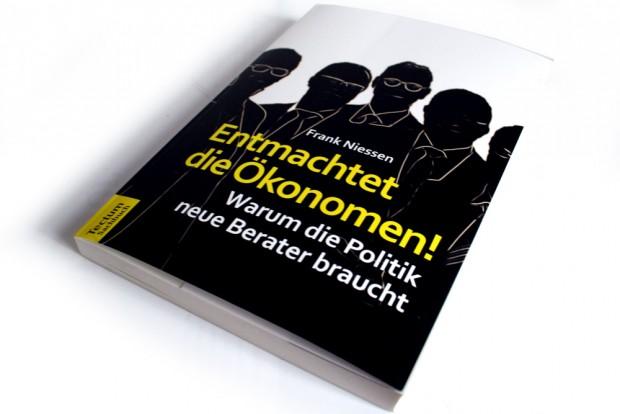 Frank Niessen: Entmachtet die Ökonomen! Foto: Ralf Julke