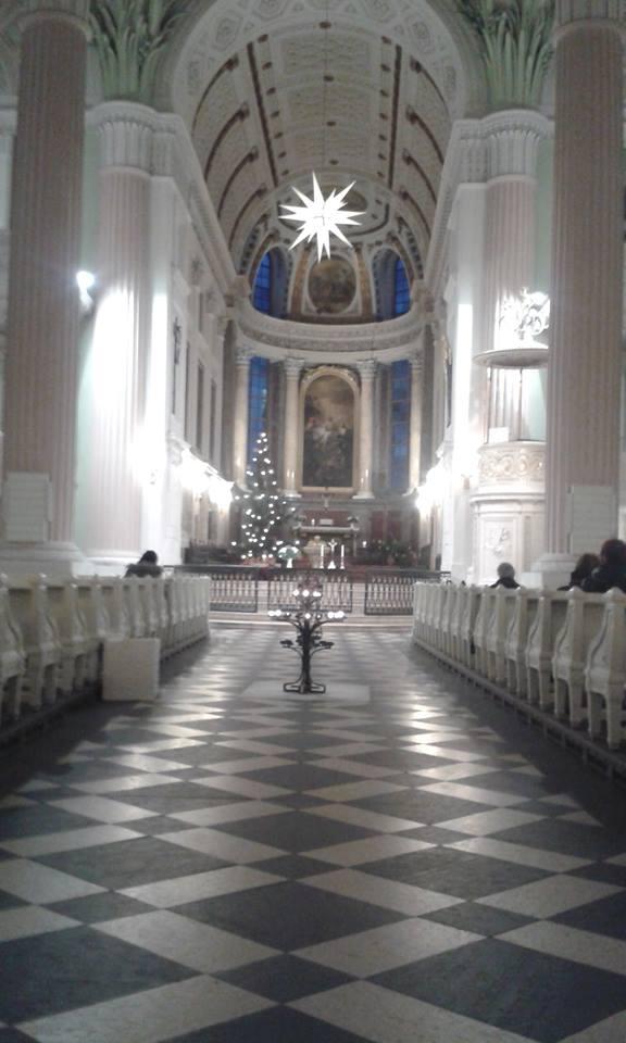 Die Nikolaikirche vor dem Friedensgebet. Foto: Ernst-Ulrich Kneitschel