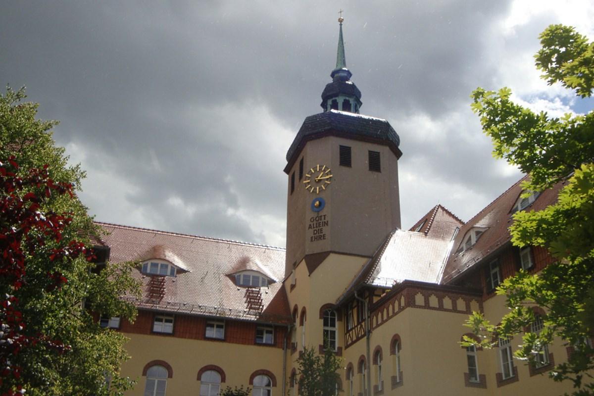 Der Turm des Mutterhauses am Diakonissenkrankenhaus. Foto: Gernot Borriss