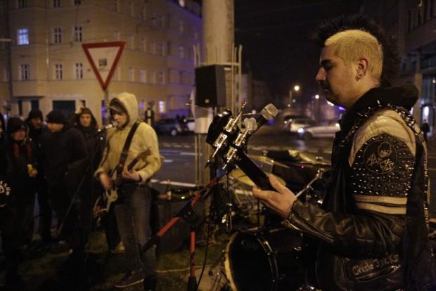 Musikalische Unterstützung von der Plagwitzer Punk-Band Jöey Clash. Foto: Alexander Böhm