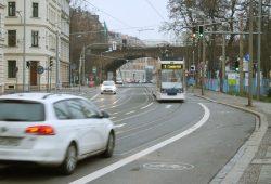 Wurzner Straße: Blick von der Einmündung der Annenstraße Richtung Viadukt. Foto: Ralf Julke