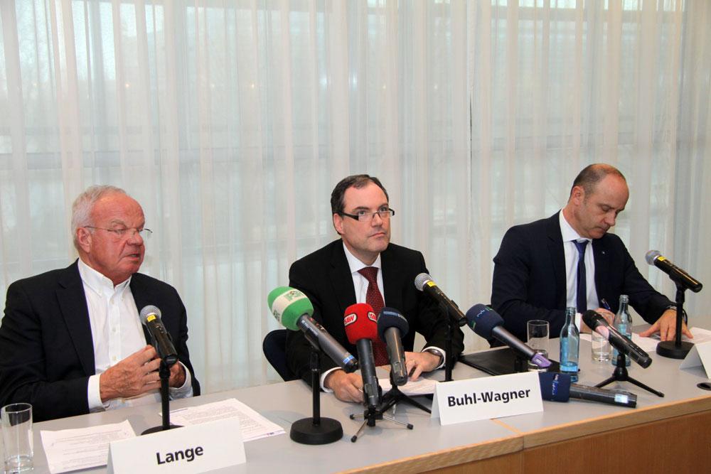 Pressekonferenz zur Absageflut hinsichtlich der Leipziger Automesse AMI. Foto: Matthias Weidemann
