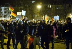 """12. Januar 2015 - Von Beginn an waren die """"etwas anderen Legida-Demonstranten"""" in Leipzig dabei. Schon damals: Unverholene Aggressionen. Foto: L-IZ.de"""