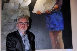 """Der Künstler Bruno Griesel führt am 24. Februar persönlich durch die Ausstellung """"White Cube"""". Foto: Matthias Weidemann"""