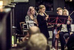 Notenspur-Nacht der Hausmusik: Kinderkammermusik in einer Equipagen-Durchfahrt. Foto: Daniel Reiche, Notenspur-Förderverein e.V.