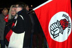Irena Rudolph-Kokot, hier auf einer Demonstration in Schönefeld, fordert den Rücktritt von Innenminister Ulbig. Foto: L-IZ.de