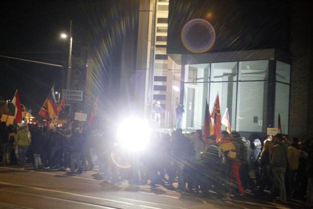 Am 7. März vorbei? Blendlichter sollen nun bei Legida endgültig untersagt werden. Foto: L-IZ.de