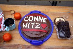 Lange dauerte es bis dieser Kuchen angeschnitten wurde. Foto: Alexander Böhm