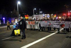 Fremdenfeinde demonstrieren in Leipzig: Legida am 1. Februar 2016 auf dem Ring. Foto: L-IZ.de