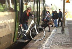 Auch im Mitteldeutschen S-Bahn-Netz wird der Platz für Fahrräder zuweilen knapp. Foto: Ralf Julke