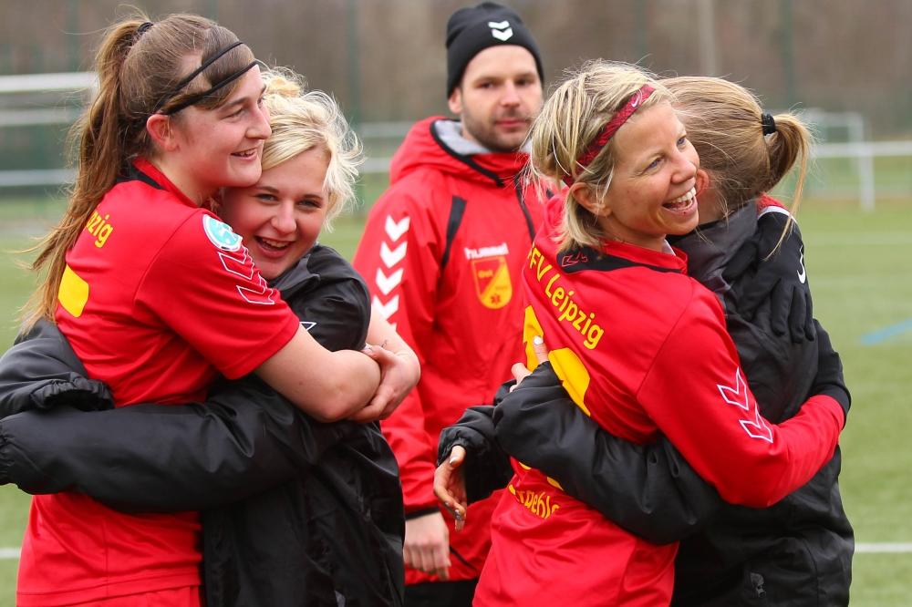 Ein Punkt wie ein Sieg. Mit großer Moral erkämpften die FFV-Fußballerinnen gegen Meppen in letzter Sekunde ein Unentschieden. Foto: Jan Kaefer