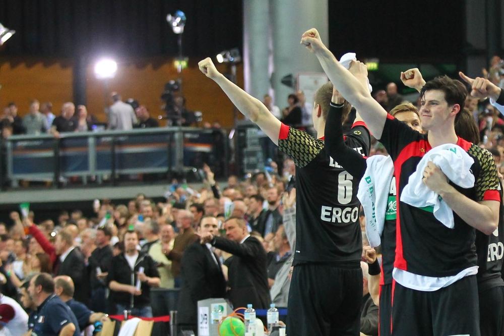 Siegerfäuste - starker Auftritt des Europameisters. Foto: Jan Kaefer