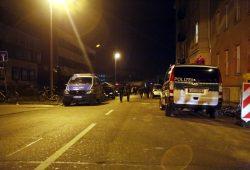Am Ende bleiben einige Polizeieinheiten weiter vor Ort. Foto: Alexander Böhm