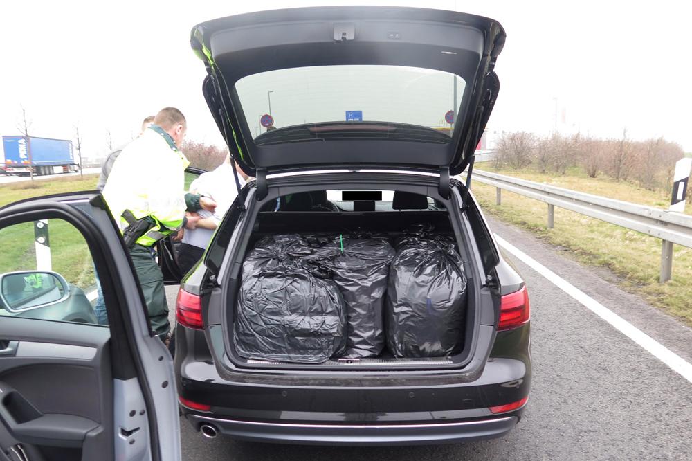 Insgesamt wurden 48,4 Kilogramm betäubungsmittelgleiche Substanzen sichergestellt. Foto: PD Leipzig