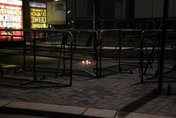 Am Rande: Einzäunung für Stolpersteine am Ring. Foto: L-IZ.de