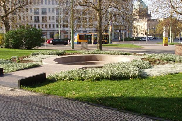 Das Goerdeler-Denkmal am Fuße des Leipziger Neuen Rathauses. Foto: Stadt Leipzig