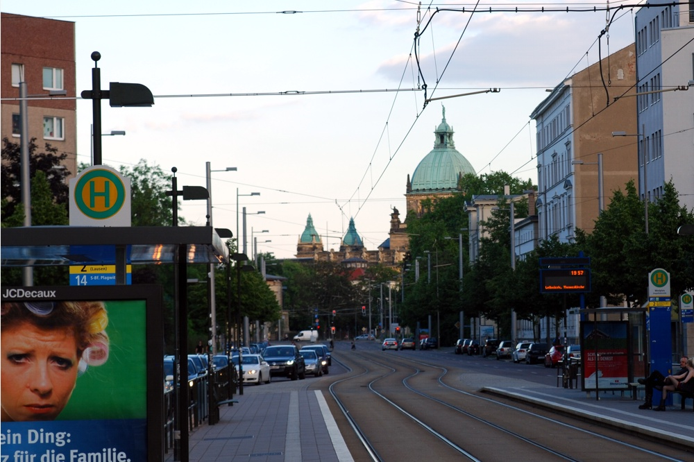 Werden auf jeden Fall abgebaut. Die Wartehäuschen der Firma JC Decaux in Leipzig. Foto: L-IZ.de