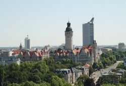 Leipzig-Kulisse mit Neuem Rathaus. Foto: Ralf Julke