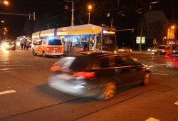 Kreuzung Georg-Schumann-Straße/Lützowstraße: Und wieder hat es die 12 erwischt. Foto: Ralf Julke