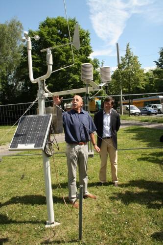 Die temporäre Messstation, die 2014 vor der Hauptfeuerwache aufgestellt wurde. Foto: Ralf Julke
