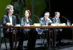 Pressekonferenz auf der Hauptbühne des Opernhauses. Foto: Karsten Pietsch
